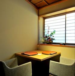 1階フロア モダンな空間の2名専用個室